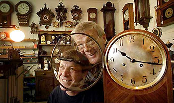 antique clock technicians in perth